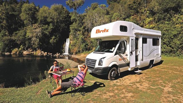 Explorer - luxusní karavan pro 4